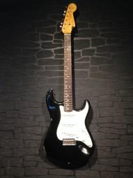 Fender CS LTD 2016 NAMM 64´s Relic Strat, blk w/c
