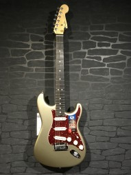 Fender Am. Elite Strat, eb, chmp, w/c