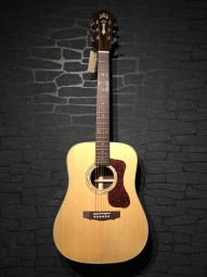 Guild D-150 Dreadnought, Natural Softcase