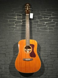 Guild D-120 Dreadnought, vollmassiv, Natural, Softcase